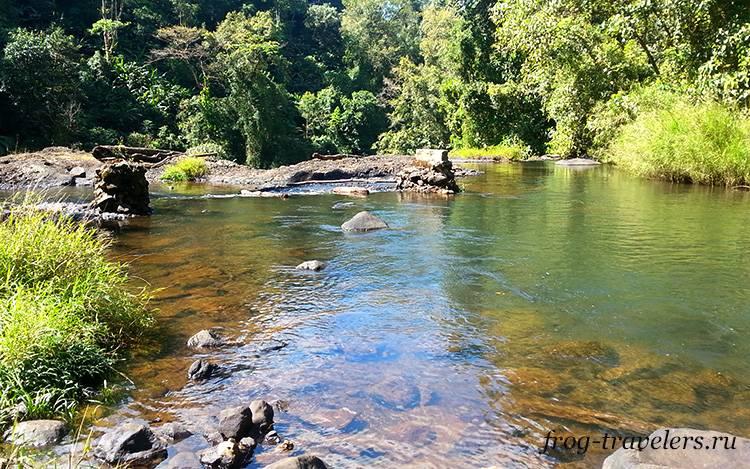 Река Чампи Лаос