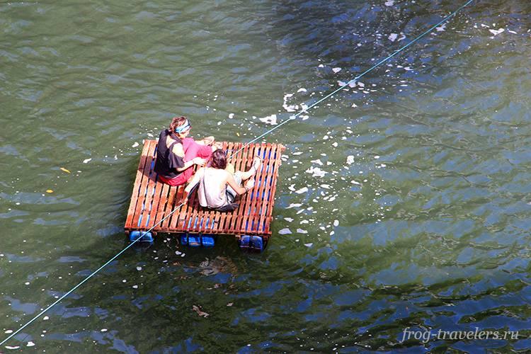 Сплав по реке