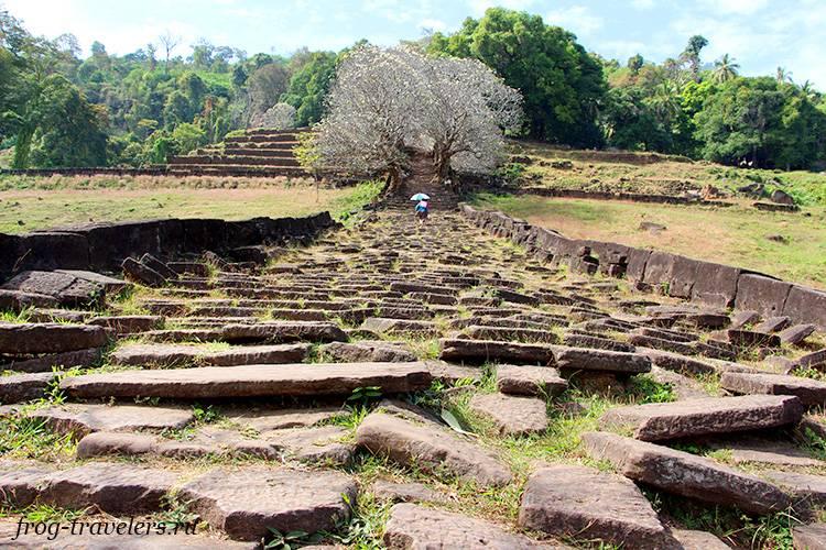 Античная кхмерская дорога