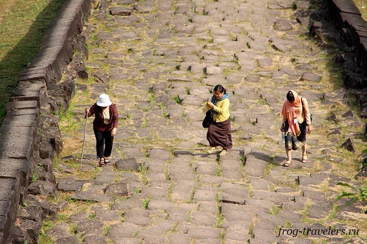 Древняя дорога Лаос