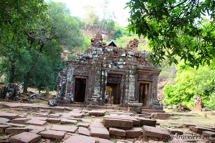 Главный храм Ват Пху