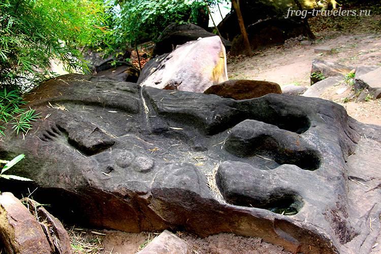 Камень-крокодил