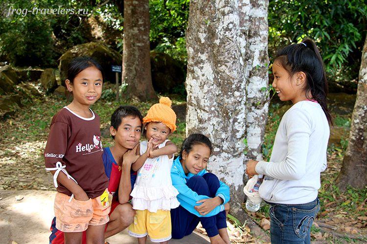 Дети Лаоса