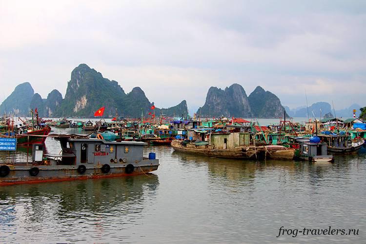 Лодки Халонг Бей