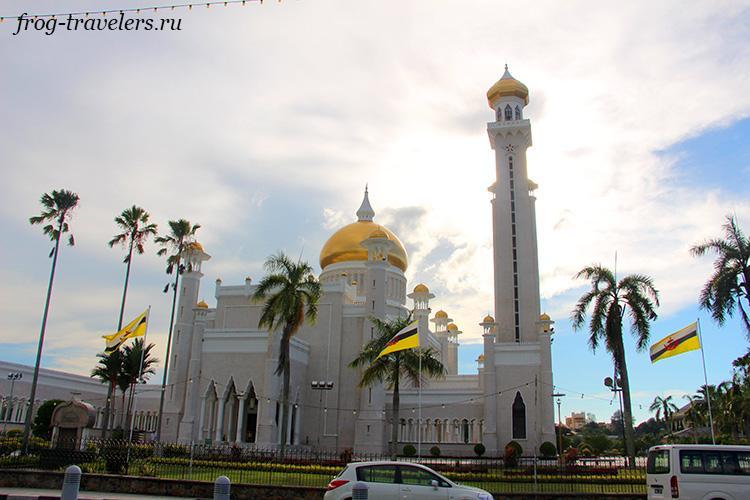 Храмы Бруней-Даруссалам