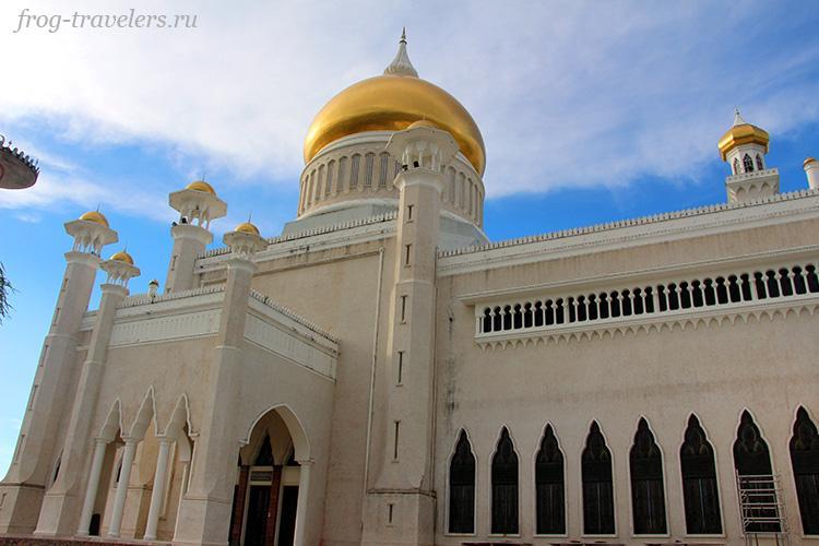 Мечеть султана Омара Али Сайфуддина Бандар-Сери-Бегаван