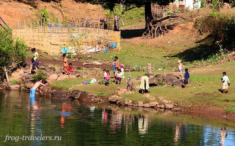 Деревня Tat Lo Лаос