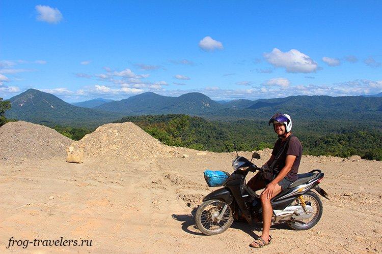 Путешественник Константин Саморосенко в Лаосе