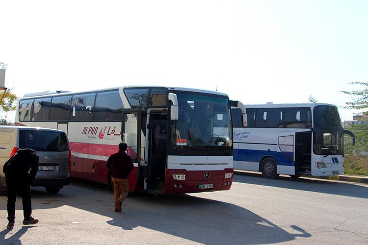 Автобусы на КПП Шейх Хуссейн